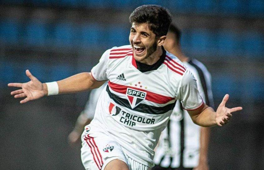 Beraldo festeja gol no sub-20 e projeta futuro do São Paulo no torneio