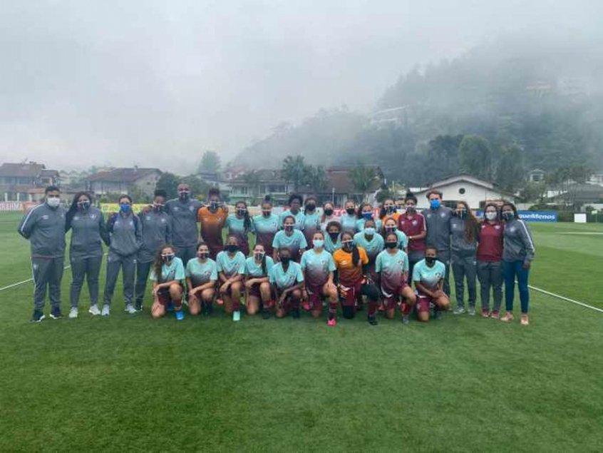 Meninas de Xerém: Equipe Sub-18 de futebol feminino do Fluminense participa de treino na Granja Comary