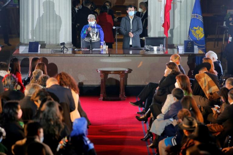 Convenção Constitucional do Chile suspende sessões devido a duas infecções de covid-19