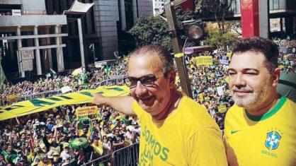 Bolsonaro costuma trocar de líder pentecostal para manter apoio da sua base religiosa