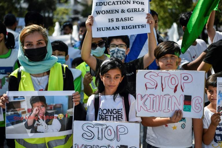 Várias deputadas afegãs conseguem refúgio temporário na Grécia