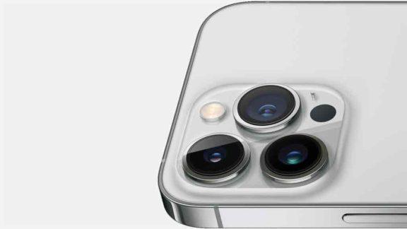 Apple lança nova versão do seu smartphone mais cobiçado