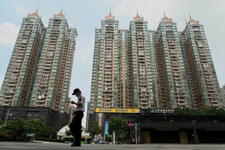 Grupo chinês Evergrande anuncia acordo para evitar default de título importantes