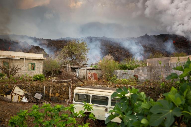 Mais de 6.000 pessoas foram removidas por erupção de vulcão nas Canárias