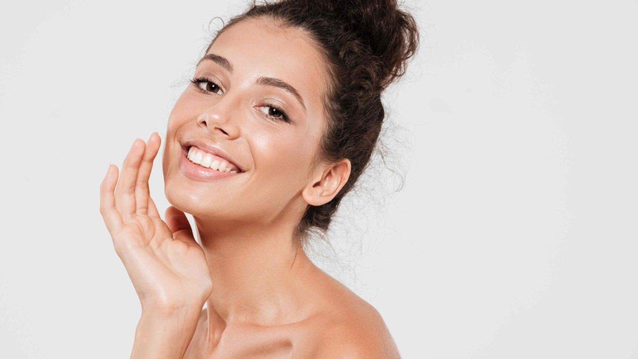 Cuidados com a pele a partir dos 20 anos retarda o envelhecimento; veja o que fazer