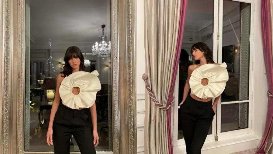Bruna Marquezine mostra look criativo para jantar em Paris e deixa parte dos seios à mostra