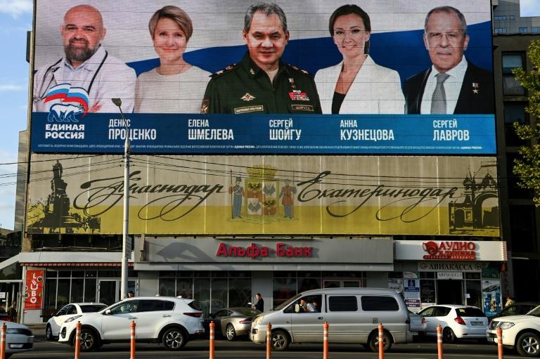 Rússia começa a votar em eleições legislativas com oposição distanciada