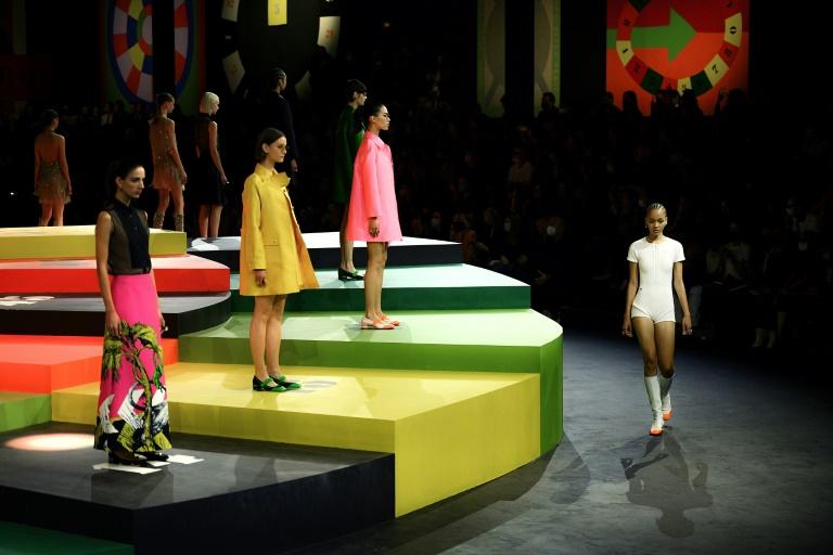 Lúdica, gráfica e colorida, Dior muda de direção para promover bem-estar