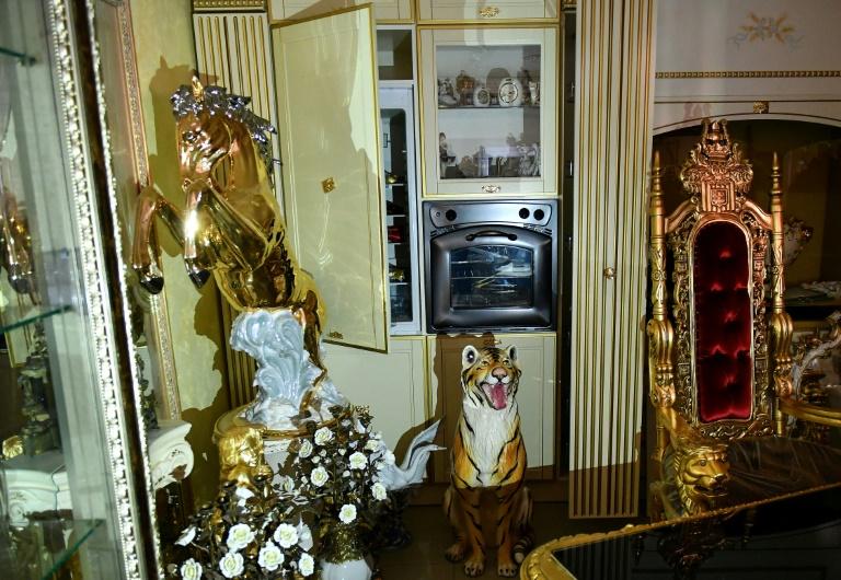 Itália expõe novo clã mafioso em Roma, entre estátuas de cavalos e cocaína