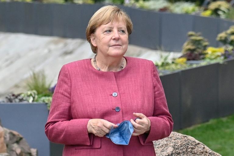 Angela Merkel retorna às raízes em cidade de sua infância