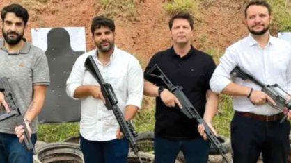 Armas de fogo em público e nas mídias sociais viram rotina no governo Bolsonaro