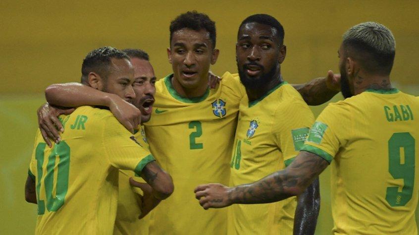 No reencontro com o torcedor, Seleção tem trabalho de vencer e também convencer contra o Uruguai