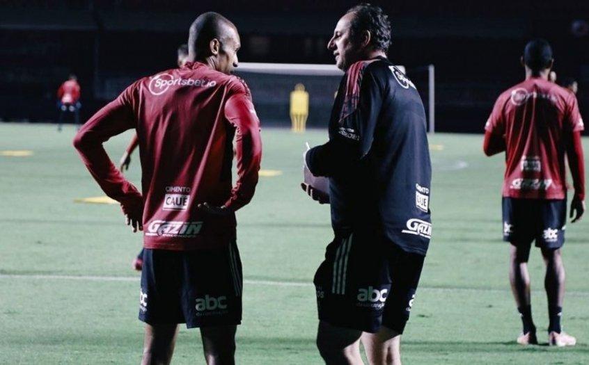 Com o retorno de Rogério Ceni, São Paulo treina no Estádio do Morumbi