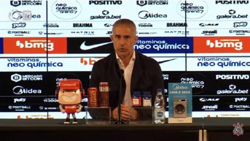 Após lesão de Willian, Sylvinho prega cuidado com os reforços do Corinthians: 'Eles não são máquinas'