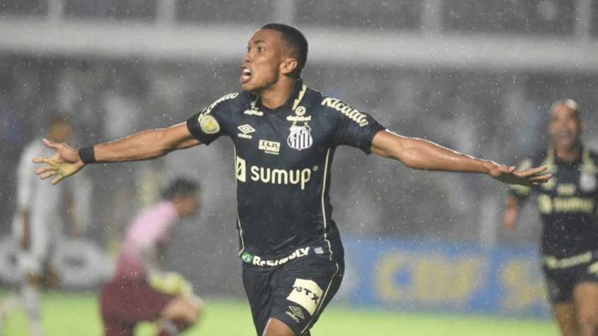 Santos vence o Fluminense na Vila, deixa o Z4 do Brasileirão e impede o Tricolor de entrar no G6