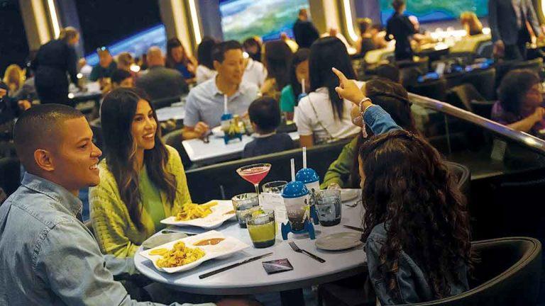 SPACE 220  Novo restaurante: preços acessíveis, mas concorrido