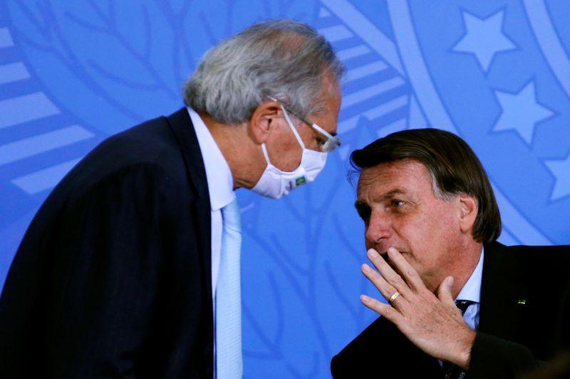 Guedes diz que Bolsonaro deve anunciar nesta semana mais 3 meses de auxílio