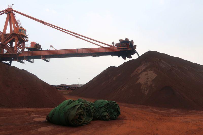 Minério de ferro amplia rali na China com preços do aço perto de níveis recorde