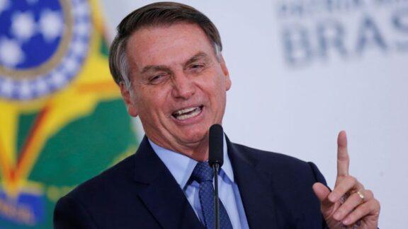 Bolsonaro diz que aumento do benefício do Bolsa Família pode chegar a 100%