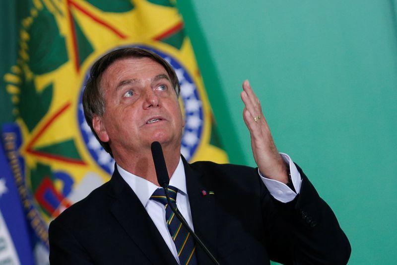 Bolsonaro reafirma intenção de levar Bolsa Família a R$400