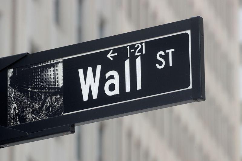 BOLSA EUA-Wall St avança após queda em pedidos de auxílio-desemprego; Robinhood limita Nasdaq