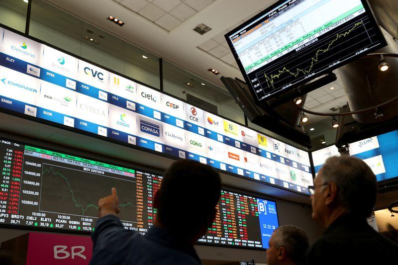 Alívio com China leva Ibovespa de volta aos 112 mil pontos; investidor mira Fed e Copom