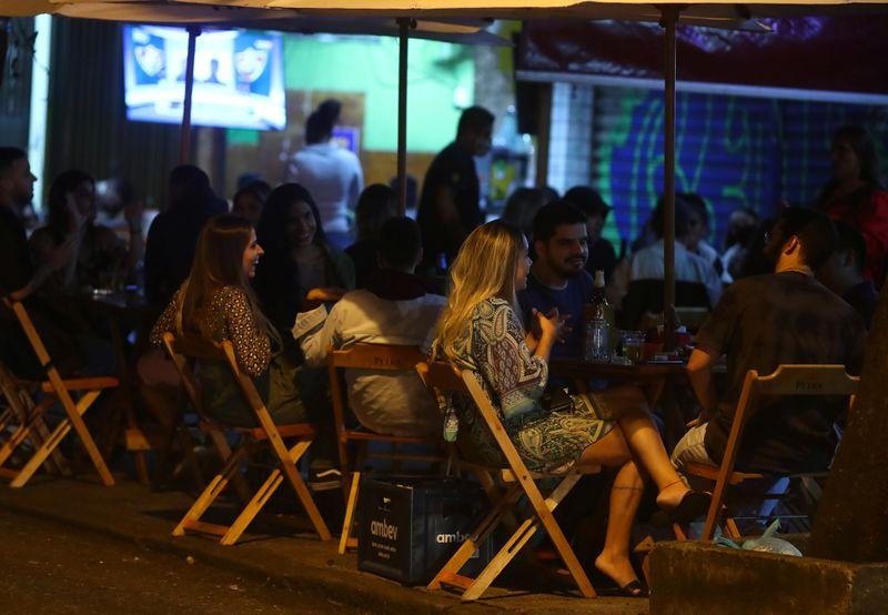 Serviços crescem em agosto no Brasil e chegam a patamar mais alto em quase 6 anos