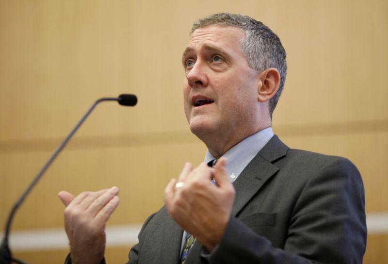 """Fed deve buscar redução de estímulos mais rápida em meio a níveis de inflação """"preocupantes"""", diz Bullard"""