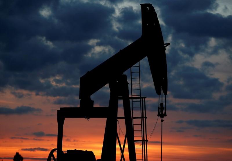 Preços do petróleo avançam com perspectivas de aumento da demanda