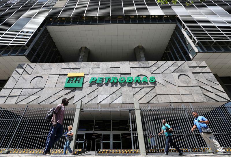 Na crise hídrica, Petrobras importa mais para elevar oferta de gás natural em 36%