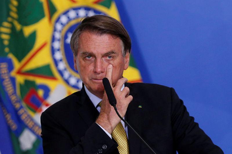 Após Moraes determinar investigação sobre Bolsonaro, presidente diz que hora do ministro vai chegar