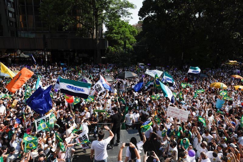 Manifestações mudaram o jogo da oposição