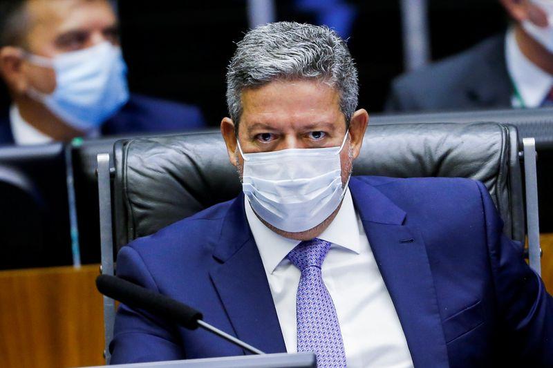 Lira diz que solução para precatórios sairá do Legislativo