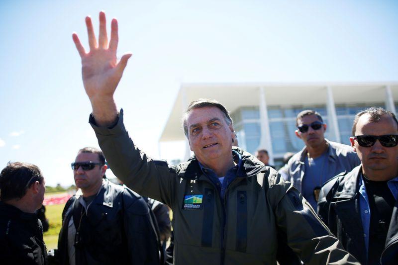 Acusado de propaganda antecipada, Bolsonaro ganha causa contra PCdoB