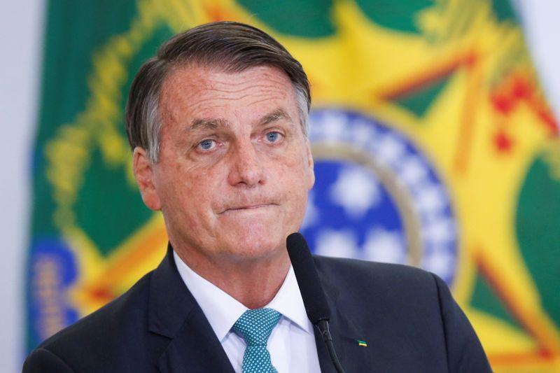 Covid apenas encurtou a vida de muitas pessoas em dias ou semanas, diz Bolsonaro