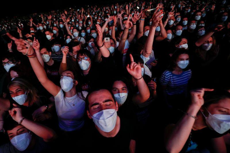 Show em Barcelona com 5 mil pessoas não provoca aumento de infecções