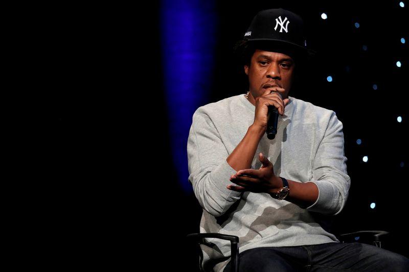 'Não sou jogador', diz Jay-Z ao recusar assinar bola de beisebol