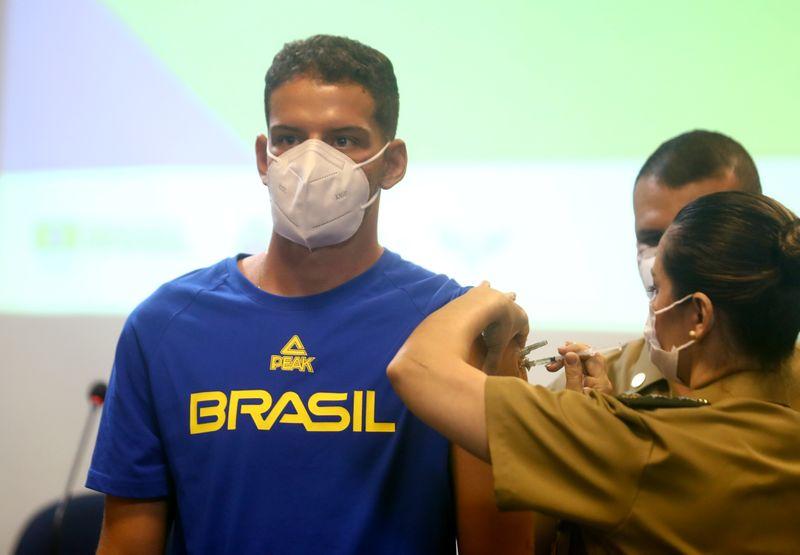 Brasileiros do tiro com arco estreiam em Tóquio no dia da cerimônia de abertura