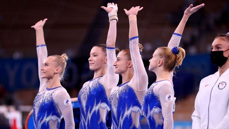 Biles abandona final por equipes, e russas vencem EUA para levar o ouro