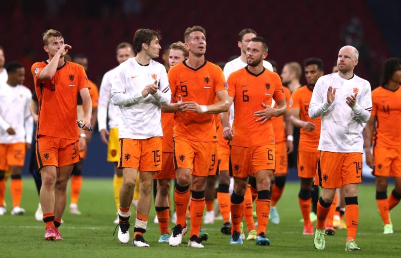 Holanda vence Áustria e garante primeiro lugar no Grupo C da Euro