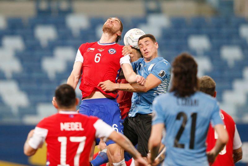 Uruguai busca empate com Chile por 1 x 1 na Copa América