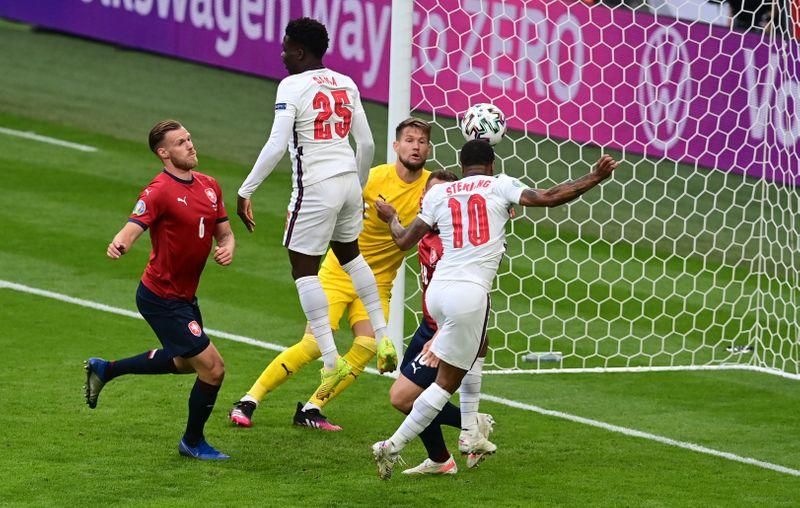 Inglaterra vai às oitavas da Euro como líder do Grupo D; Croácia e República Tcheca também avançam