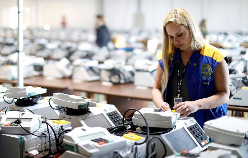 Comissão especial da Câmara rejeita voto impresso e impõe derrota a Bolsonaro