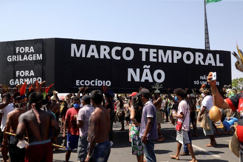 Moraes pede vista e STF suspende ação do marco temporal de terras indígenas