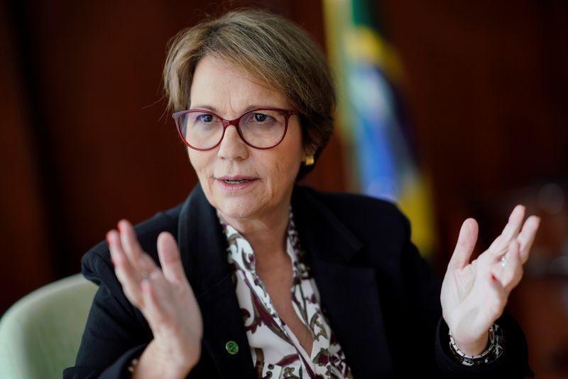 Ministra Tereza Cristina diz que está com Covid-19 e passa bem