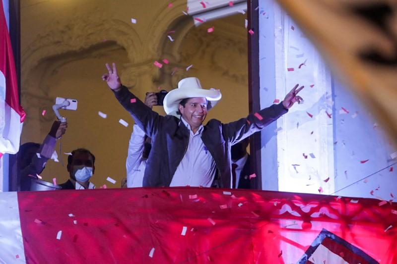 """""""Não somos comunistas"""", diz Castillo ao tentar acalmar temores no Peru"""