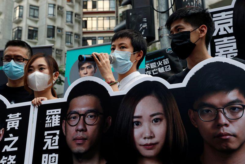 "Autoridades de Hong Kong prendem cantor pró-democracia por ""conduta corrupta"""