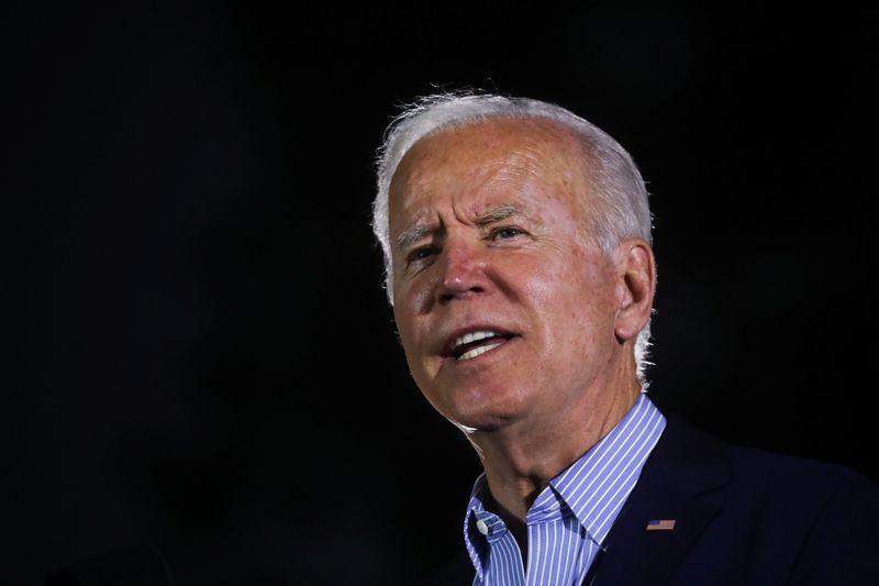 Biden faz campanha com governador da Califórnia antes de recall apoiado por republicanos