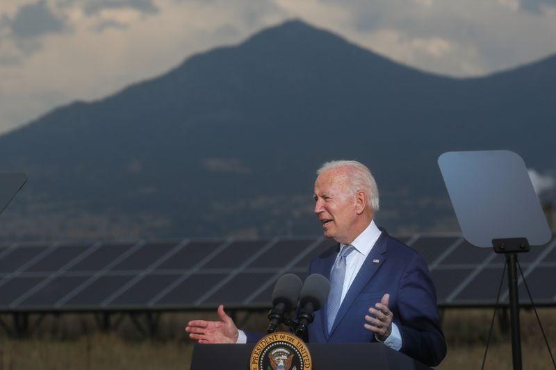 Biden diz que clima extremo custará mais de US$100 bilhões aos EUA este ano