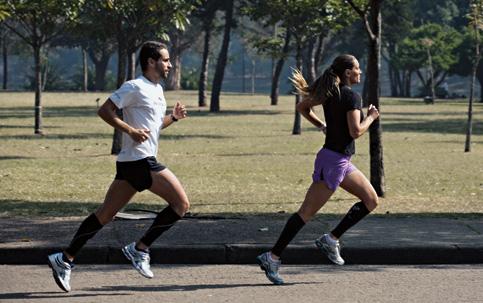A onda das roupas apertadas para o fitness - ISTOÉ Independente bd495798d739c